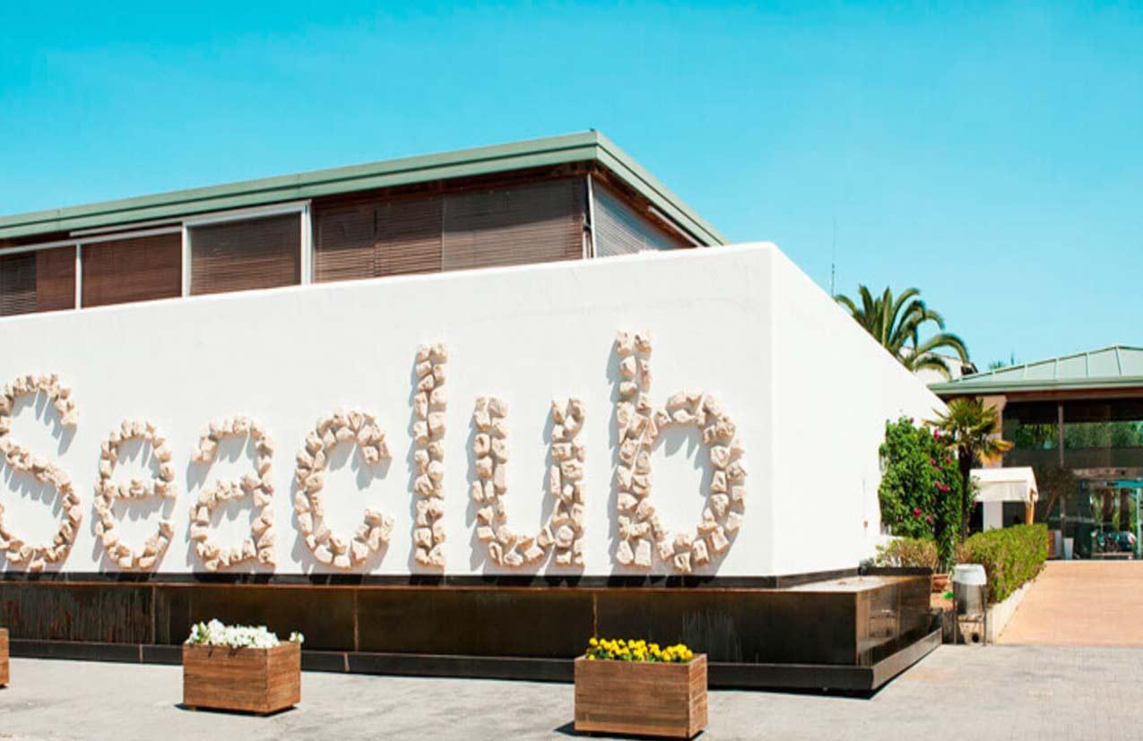 AZULAZULETE · Arquitectura e Interiorismo – Aparthotel Seaclub, Alcudia, Mallorca 2015