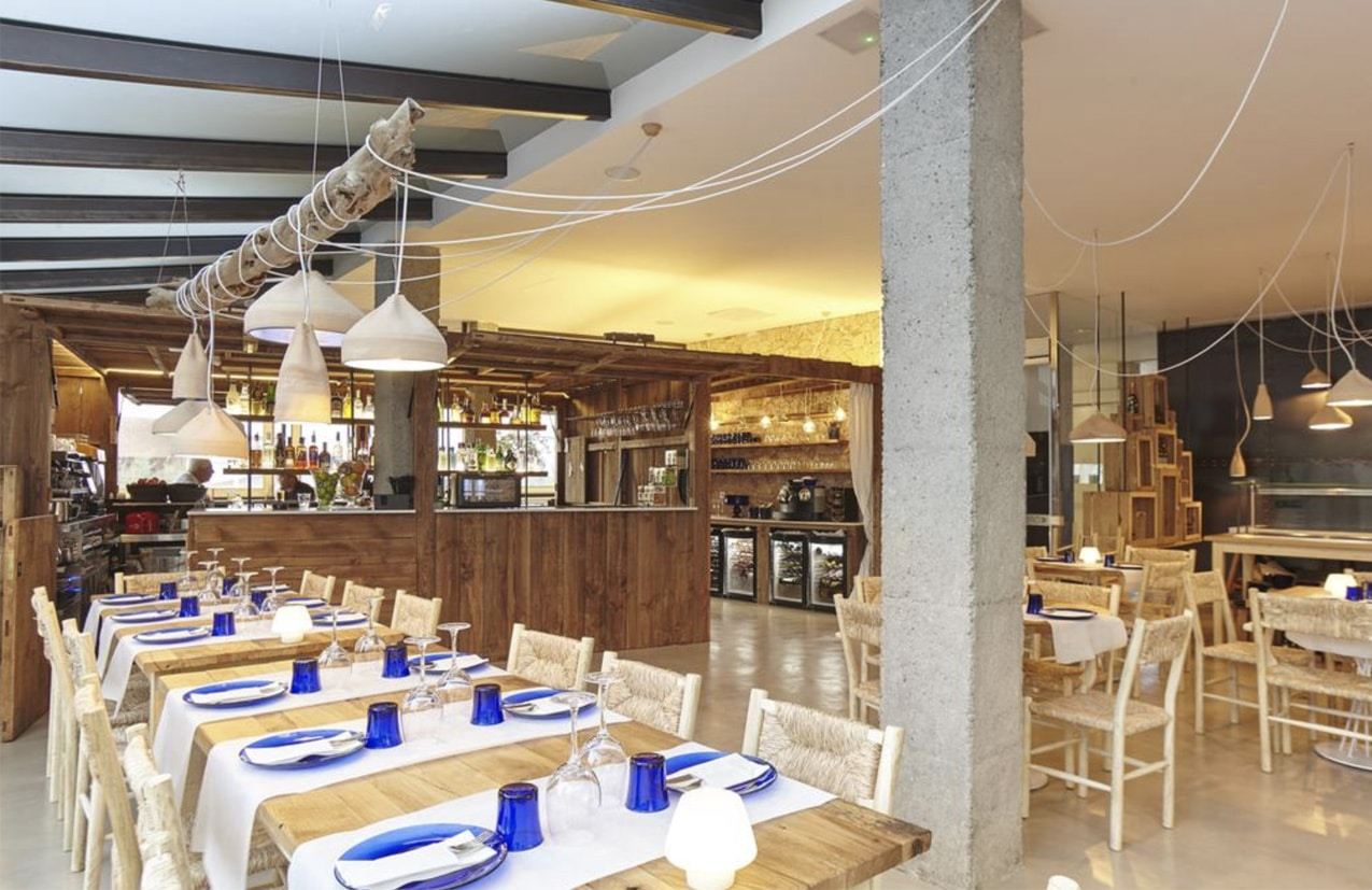 AZULAZULETE · Arquitectura e Interiorismo – Restaurante Sa Terrassa. Formentera 2015